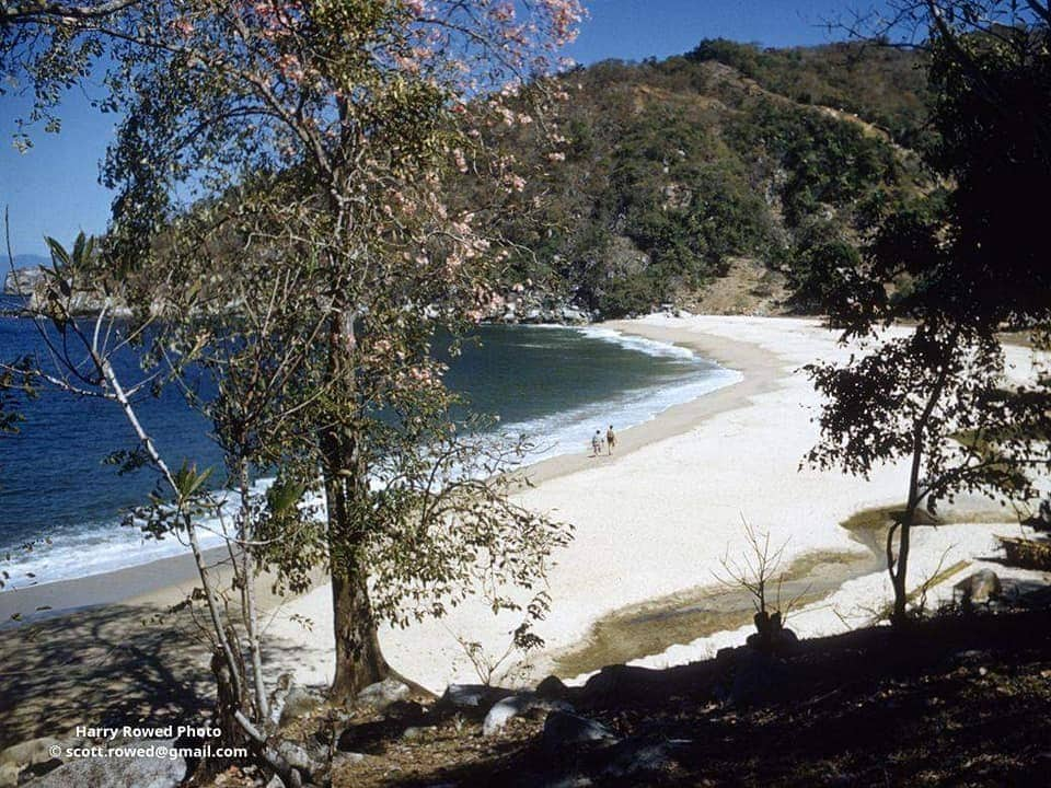In the photos of history of Puerto Vallarta, you can see the beaches without hotels